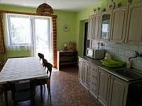 Kuchyně v patře - pronájem chalupy Rovensko pod Troskami - Václaví