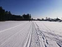 Leden - krásné tratě na běžky 200 metrů od chalupy - k pronajmutí Žďár u Kumburku