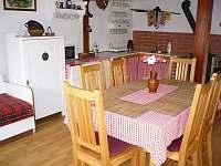 jídelní stůl a kuchyňský kout - Žernov