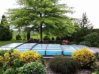 bazén, jezírko - rekreační dům k pronájmu Březina
