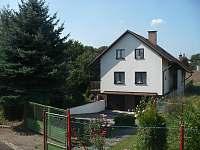 Chata k pronájmu - okolí Újezdce