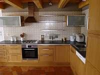 Kuchyně - chalupa ubytování Všeň - Mokrý