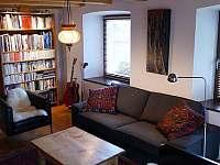 Obytná místnost - pronájem chalupy Všeň - Mokrý