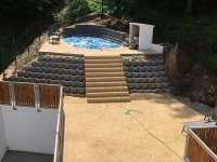 Venkovní veranda s bazénem - chalupa ubytování Mašov