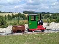Mašinka už má i vagón