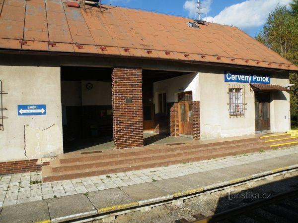 Červený Potok - železniční stanice