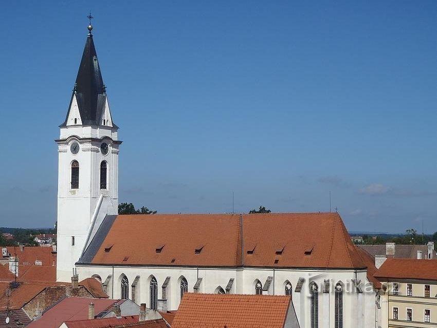 Děkanský kostel sv. Jiljí a Panny Marie královny
