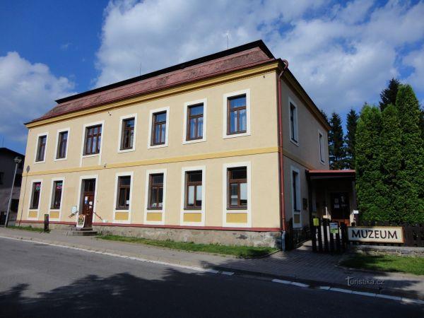Deštné - Muzeum turistiky, zimních sportů a řemesel