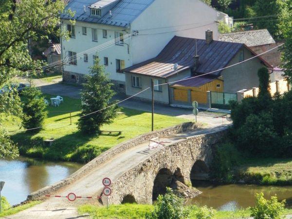 Historický kamenný most – Ronov
