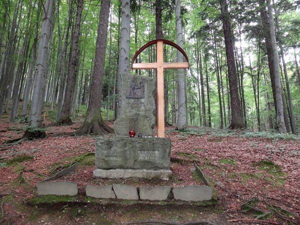 Horní Lomná - křížová cesta