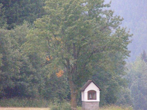 kaplička u Ostružné