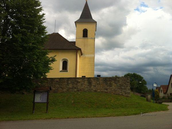 Kostel sv. Bartoloměje - Stranná