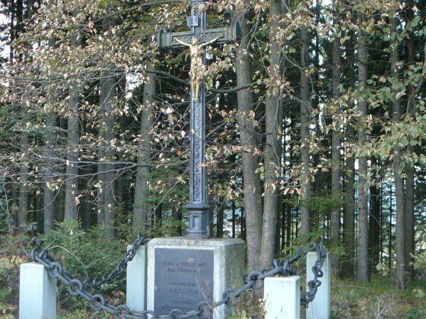 kříž kardinála Bedřicha na Hamrech-Kožušance