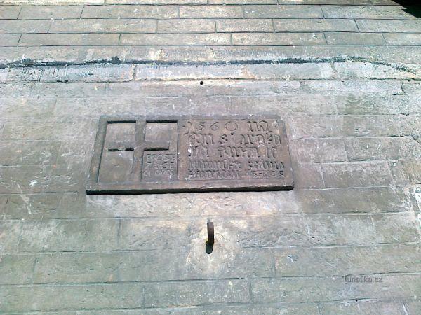 Křížový kámen.