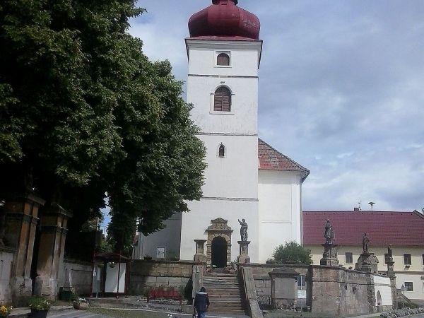 Liběšice - kostel Nanebevzetí Panny Marie