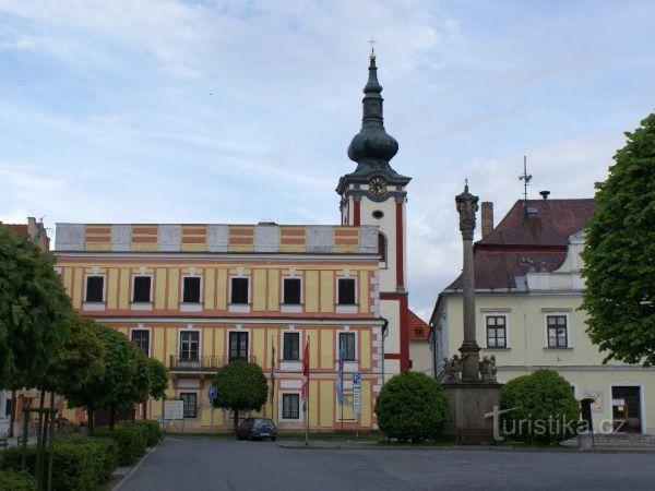 Nová Bystřice – zámek Neubistritz, komplex dobře utajený