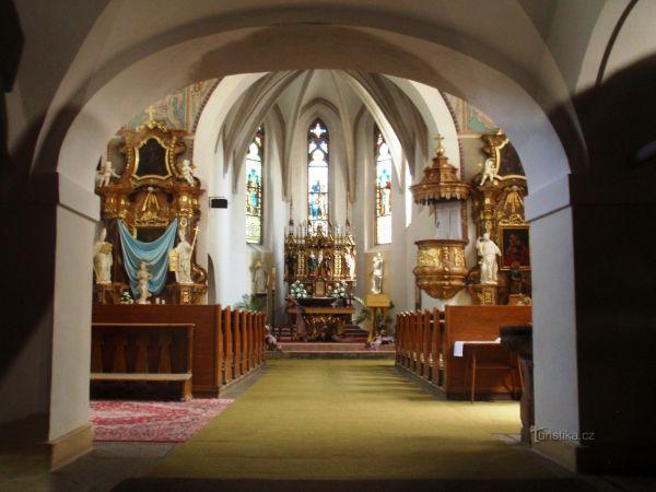 Nové Město na Moravě - kostel sv. Kunhuty - interiér