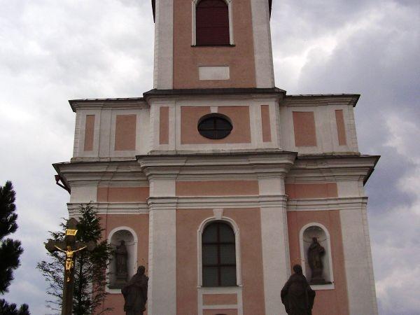 Nové Veselí - kostel a sochy