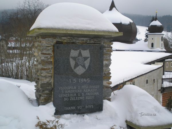 Památník osvobození v Železné Rudě