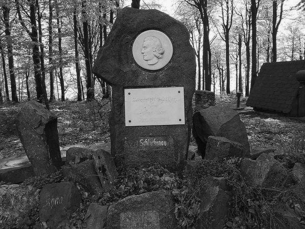 Pomník Friedricha Schillera na Jedlové