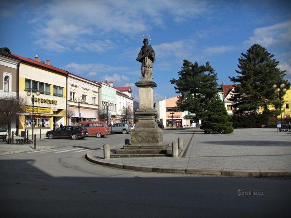 Rožnov pod Radhoštěm - hlavní náměstí