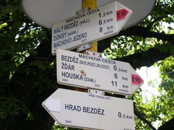 turistické rozcestí Bezděz - pod hradem