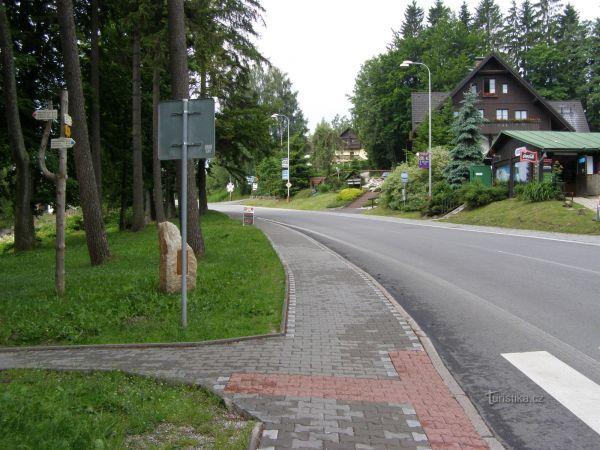 turistické rozcestí Janské Lázně - u hotelu Lesní dům