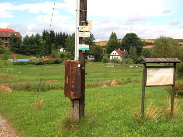 Turistické rozcestí Nyklovice