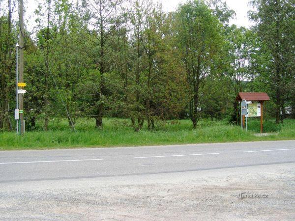 turistické rozcestí Pěkov - bus
