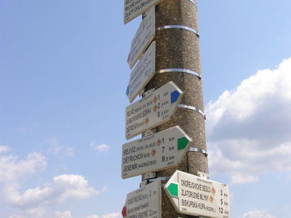 turistické rozcestí - Rejvíz, chata Svoboda