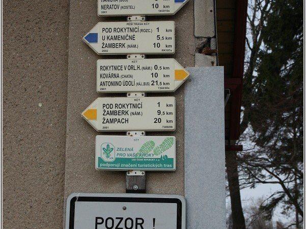 Turistické rozcestí Rokytnice v Orl. h., žst