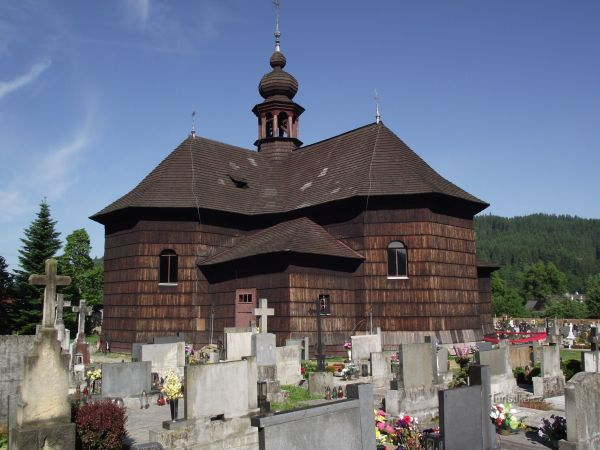 Velké Karlovice – dřevěný kostel Panny Marie Sněžné