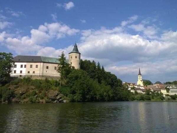 Žirovnice - město a zámek.