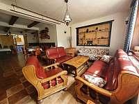Společenská místnost - chata ubytování Kunčice