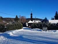 Blízké okolí chalupy - kostelík - Světlá Hora - Suchá rudná