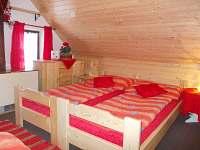 ložnice v podkroví - čtyřlůžková ( 1 dětské lůžko ) - Hostice