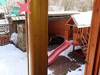 Pohled z kuchyně na zimní zahradu - Hostice