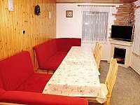 společenská místnost - chata ubytování Malá Morávka - Karlov