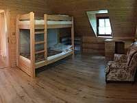 2. ložnice v patře s dvojpatrovkou