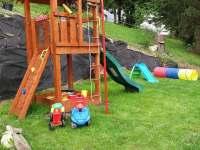 Dětské hřiště - pronájem chaty Malá Morávka