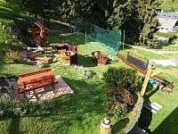 Ohniště, dětské hřiště - chata k pronajmutí Malá Morávka