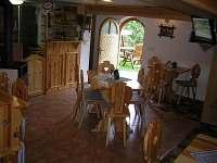 Společenská místnost v hlavní budově - chata k pronájmu Malá Morávka