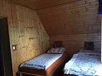 Postele z masivu a zdravotní matrace z paměťové pěny - chalupa ubytování Jeseník