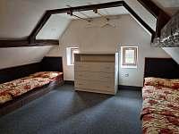 Ložnice - apartmán 3 (podkroví) - chata k pronájmu Kouty nad Desnou