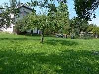zahrada - chalupa ubytování Branná