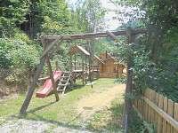 Dětské hřiště s lanovkou. - chata ubytování Štědrákova Lhota