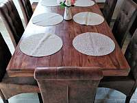 Jídelní stůl, 7 židlí+lavice
