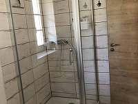 dolní koupelna - sprchový kout