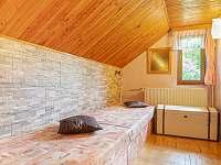 Průchozí ložnice v prvním patře - chata k pronajmutí Hynčice pod Sušinou