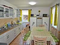 Chata v Karlově - kuchyně -